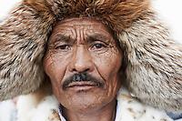 Mongolie, Oulan Bator, Place Sukhbaatar, concours du plus beau costume pour la fete du Naadam, homme kazakh // Mongolia, Ulan Bator, Sukhbaatar square, costume parade for the Naadam festival, kazakh man