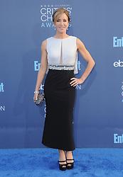 Felicity Huffman  bei der Verleihung der 22. Critics' Choice Awards in Los Angeles / 111216