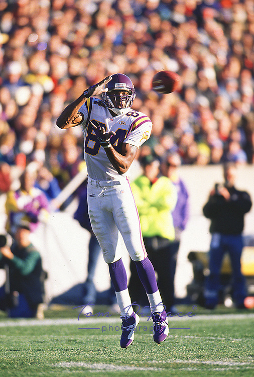 Minnesota Vikings Randy Moss plays in  game against the Chicago Bears circa 1998-1999<br /> (Tom DiPace)