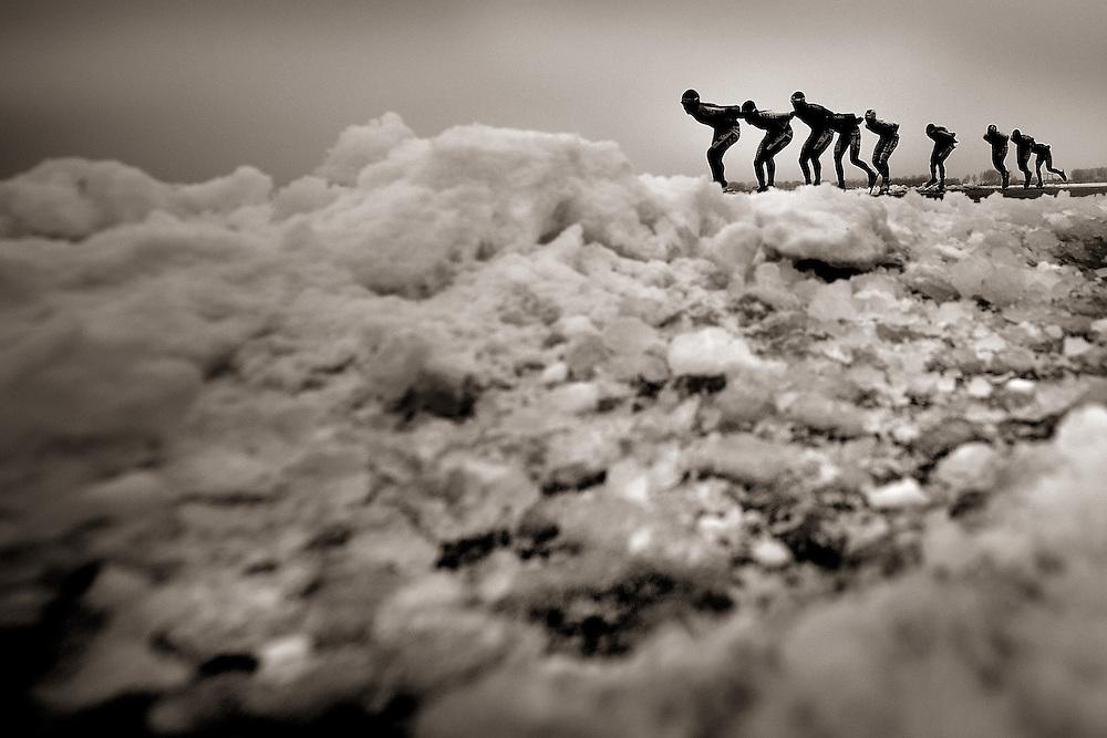 Nederland, Elburg, 25-01-2013.<br /> Schaatsen, Marathon, Nederlands Kampioenschap Natuurijs.<br /> Arjan Stroetinga in derde positie, hij zou 2e worden achter BAM ploeggenoot Christijn Groeneveld.<br /> Foto : Klaas Jan van der Weij