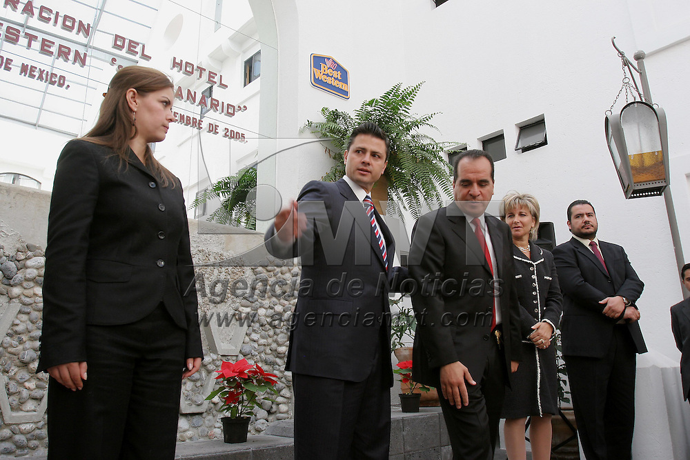 Toluca, Mex.- Enrique Peña Nieto, gobernador del estado de Mexico inaugura junto con su propietario Jesus Henkel el hotel Best Western Toluca . Agencia MVT / Mario Vazquez de la Torre. (DIGITAL)<br /> <br /> NO ARCHIVAR - NO ARCHIVE