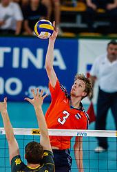 06-10-2002 ARG: World Champioships Netherlands - Brasil, Santa Fe<br /> Sander Olsthoorn<br /> NEDERLAND - BRAZILIE 0-3<br /> WORLD CHAMPIONSHIP VOLLEYBALL 2002 ARGENTINA<br /> SANTA FE / 06-10-2002