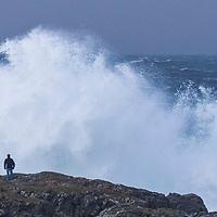 Lista  20161226.<br /> Ekstremværet Urd er på vei.<br /> En mann ser på bølgene i forbindelse med ekstremværet Urd ved Jølle på Lista.<br /> Foto: Tor Erik Schrøder / NTB scanpix