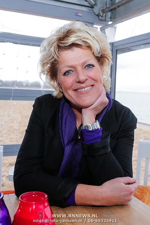 NLD/Muiden/20121212 - Persviewing De Beste Zangers van Nederland, Simone Kleinsma