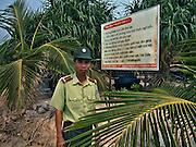 Vietnam, Ha Long Bay: Monkey island .