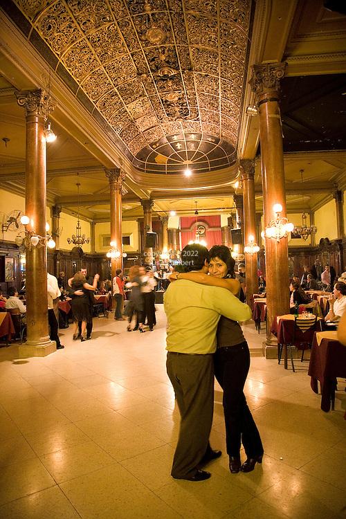 Tango at the milonga Confiteria Ideal