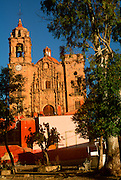 MEXICO, COLONIAL CITIES, GUANAJUATO La Valenciana Church built in 1765, churriqueresque style, by Valenciana silver mine baron Conde de Rul
