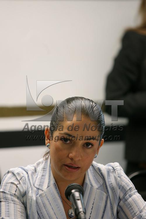 Toluca, Mex.- Adriana Arguello Juarez, Inspectora General de la Agencia de Seguridad Estatal, habla con periodistas sobre el resultado del exámen antidoping aplicado a mas de 13 mil 500 policias de los cuales solo 86 dieron positivo en el uso de alguna droga. Agencia MVT / Mario Vazquez de la Torre. (DIGITAL)<br /> <br /> <br /> <br /> <br /> <br /> <br /> <br /> NO ARCHIVAR - NO ARCHIVE