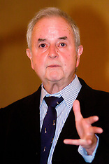 2005-09-22 Rodney Bewes