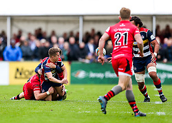 Billy Searle of Bristol Rugby passes to Steven Luatua (capt) to set up a try - Rogan/JMP - 28/10/2017 - RUGBY UNION - Stade Santander International - St Peter, Jersey - Jersey Reds v Bristol Rugby - Greene King IPA Championship.