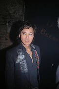 Andy Wong, De Beers, Talisman launch party. The Shunt Vaults, 20 Stainer Street, London, SE1, 28  November 2005. ONE TIME USE ONLY - DO NOT ARCHIVE  © Copyright Photograph by Dafydd Jones 66 Stockwell Park Rd. London SW9 0DA Tel 020 7733 0108 www.dafjones.com