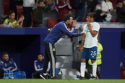 March 22, 2019 - Madrid, Madrid, Spain - Lionel Scaloni of Argentina gives instructions to Domingo Blanco (Defensa y Justicia) of Argentina during the international friendly match between Argentina and Venezuela at Wanda Metropolitano Stadium in Madrid, Spain on March 22 2019. (Credit Image: © Jose Breton/NurPhoto via ZUMA Press)