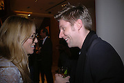 Sheryl Crow and Christopher Bailey, Christopher Bailey hosts a party to celebrate the launch of ' The Snippy World of New Yorker Fashion Artist Michael Roberts' Burberry, New Bond St.  London. 19  September 2005. ONE TIME USE ONLY - DO NOT ARCHIVE © Copyright Photograph by Dafydd Jones 66 Stockwell Park Rd. London SW9 0DA Tel 020 7733 0108 www.dafjones.com