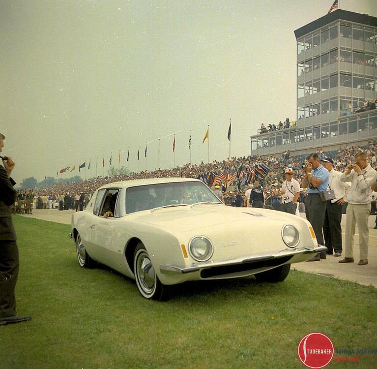 Studebaker Avanti at 1962 Indianapolis 500.