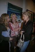 Lady Sybilla Rufus-Isaacs, Arabella Leatham and Lady Emily Comp. A Celebration of Light.- Exhibition of work by George Lewis. Air Gallery. Dover St.  London.  London. 4 October 2005. . ONE TIME USE ONLY - DO NOT ARCHIVE © Copyright Photograph by Dafydd Jones 66 Stockwell Park Rd. London SW9 0DA Tel 020 7733 0108 www.dafjones.com