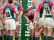 Leicester, Walker Stadium., Leicestershire, 5th April 2004, Heineken Cup, ENGLAND. [Mandatory Credit: Photo  Peter Spurrier/Intersport Images],Heineken Cup, Semi Final, Leicester Tigers vs Stade Toulouse, Walker Stadium, Leicester, ENGLAND: Martin Johnson bends over to look at the floor as Toulouse take a penalty kick.