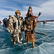 Mongolia. Gengis khan and an  archer, Ice festival on the frozen Khuvsgul lake. - siberia border - for the mongol new year ,  tsagaan sar, in the cold winter   Khuvsgul province -   /  armee de Gengis Khan, cheval et archer, Festival des glaces sur le lac gelé de Khovsgol - frontiere siberienne-  pour Tsagan sar; le nouvel an mongol, en hivoir dans le froid   Khovgul  - Mongolie /  L0055880D