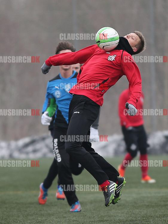 Brysttæmning af Jannik Zimling (FC Helsingør).