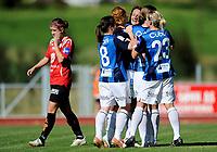 Fotball<br /> 4. September 2010<br /> Toppserien<br /> Arna Idrettspark<br /> Arna Bjørnar v Stabæk 7 - 0<br /> Maren Mjelde (L) , Arna-Bjørnar depper mens<br /> Lisa-Marie Woods (5R) , Lise Klaveness (4R) , Maiken Pape (3R) , Ingrid Camilla Fosse Sæthre (2R) og Kristy Moore , Stabæk jubler for scoring<br /> Foto: Astrid M. Nordhaug