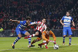 (L-R), Nicolas Freire of PEC Zwolle, Hirving Lozano of PSV, goalkeeper Mickey van der Hart of PEC Zwolle, Dirk Marcellis of PEC Zwolle during the Dutch Eredivisie match between PSV Eindhoven and PEC Zwolle at the Phillips stadium on February 03, 2018 in Eindhoven, The Netherlands