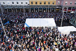 September 16, 2017 - Bergen, NORWAY - 170916 General view of Torgallmenningen during the opening ceremony of the UCI Road World Championships on September 16, 2017 in Bergen..Photo: Jon Olav Nesvold / BILDBYRN / kod JE / 160015 (Credit Image: © Jon Olav Nesvold/Bildbyran via ZUMA Wire)