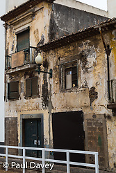 A dilapidated building near Mercado do Lavradores in Funchal, Madeira. MADEIRA, September 25 2018. © Paul Davey