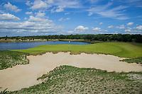 CROMVOIRT -  hole 8 Bernardus Golf is een golfbaan in Cromvoirt, die in 2018 is geopend. De 18-holes baan is een ontwerp van de baanarchitect Kyle Phillips. De baan is aangewezen voor het Dutch Open, .   COPYRIGHT KOEN SUYK