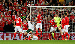 October 9, 2017 - Cardiff, Pays de Galles - Wales' Andy King in action with Republic of IrelandÃ•s Daryl Murphy (Credit Image: © Panoramic via ZUMA Press)