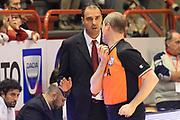 DESCRIZIONE : Pistoia Lega serie A 2013/14  Giorgio Tesi Group Pistoia Pesaro<br /> GIOCATORE : paolo moretti. arbitro<br /> CATEGORIA : curiosità<br /> SQUADRA : Giorgio Tesi Group Pistoia<br /> EVENTO : Campionato Lega Serie A 2013-2014<br /> GARA : Giorgio Tesi Group Pistoia Pesaro Basket<br /> DATA : 24/11/2013<br /> SPORT : Pallacanestro<br /> AUTORE : Agenzia Ciamillo-Castoria/M.Greco<br /> Galleria : Lega Seria A 2013-2014<br /> Fotonotizia : Pistoia  Lega serie A 2013/14 Giorgio  Tesi Group Pistoia Pesaro Basket<br /> Predefinita :