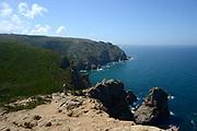 Cabo da Roca is het meest westelijke punt van het Europese deel van Portugal, van het Europese vasteland, en van het Euraziatische continent. <br /> <br /> Cabo da Roca is the westernmost point of the European part of Portugal, of the European mainland, and of the Eurasian continent.