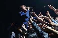 2016_02_12_Suede_Perform_At_RT