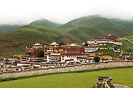 Litang's monastery, Litang Cho?de, is set above Litang, Tibet just behind the old town.
