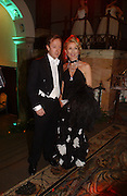 Geordie Greig and Daphne Guinness, Belle Epoche gala fundraising dinner. National Gallery. 16 March 2006. ONE TIME USE ONLY - DO NOT ARCHIVE  © Copyright Photograph by Dafydd Jones 66 Stockwell Park Rd. London SW9 0DA Tel 020 7733 0108 www.dafjones.com