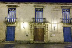 Colonial Art Museum, Old Havana Plaza