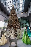 Christmas Tree @ UOB Plaza, Downtown