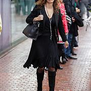 NLD/Amstelveen/20120917 - Uitvaart Rosemarie Smid - Giesen van der Sluis, Pia Douwes