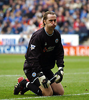 LEICESTER CITY/LIVERPOOL PREMIER LEAGUE 27.03.04 PHOTO TIM PARKER FOTOSPORTS INTERNATIONAL<br /> IAN WALKER LEICESTER AFTER LIVERPOOL HIT THE POST