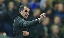 28.01.2014, Anfield, Liverpool, ENG, Premier League, FC Liverpool vs FC Everton, 23. Runde, im Bild Everton's manager Roberto Martinez // during the English Premier League 23th round match between Liverpool FC and Everton FC at Anfield in Liverpool, Great Britain on 2014/01/29. EXPA Pictures © 2014, PhotoCredit: EXPA/ Propagandaphoto/ David Rawcliffe<br /> <br /> *****ATTENTION - OUT of ENG, GBR*****