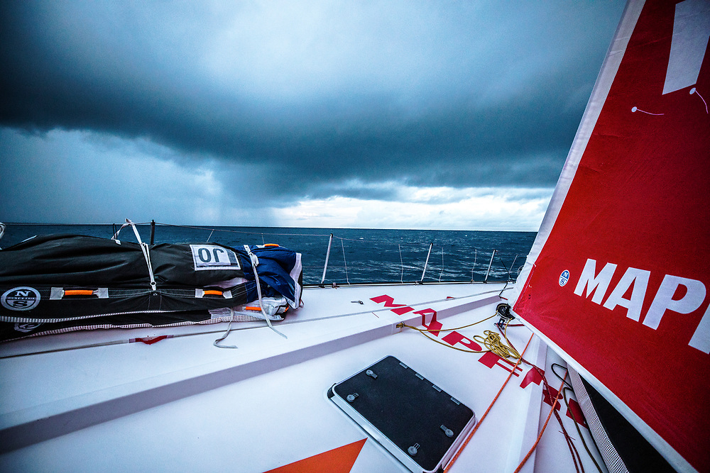 Leg 02, Lisbon to Cape Town, day 07, on board MAPFRE, Nubes y lluvias ecuatoriales. Photo by Ugo Fonolla/Volvo Ocean Race. 11 November, 2017.