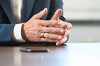 21 SEP 2020, BERLIN/GERMANY:<br /> Haende von Olaf Scholz, SPD, Bundesfinanzminister, waehrend einem Interview, Bundesministerium der Finanzen<br /> IMAGE: 21092020-01-0<br /> KEYWORDS: Hand, Hände