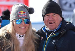 19.01.2019, Olympia delle Tofane, Cortina d Ampezzo, ITA, FIS Weltcup Ski Alpin, Abfahrt, Damen, im Bild Lindsey Vonn (USA) und Robert Trenkwalder (Red Bull)L // Lindsey Vonn of the USA and Robert Trenkwalder ( Red Bull) reacts after her run in the ladie's Downhill of FIS ski alpine world cup at the Olympia delle Tofane in Cortina d Ampezzo, Italy on 2019/01/19. EXPA Pictures © 2019, PhotoCredit: EXPA/ Erich Spiess