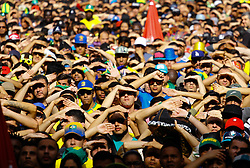 June 22, 2018 - SãO Paulo, Brazil - SÃO PAULO, SP - 22.06.2018: TORCIDA DO BRASIL NO ANHANGABAÚ - Fans in the Anhangabaú Valley in the central region of the city follow the match between Brazil and Costa Rica for the first phase of the 2018 World Cup in Russia, which takes place on Friday (22) (Credit Image: © Aloisio Mauricio/Fotoarena via ZUMA Press)