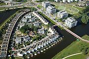 Nederland, Utrecht, Amersfoort, 28-06-2006; luchtfoto (25% toeslag detailsfoto van de nieuwbouwwijken Kattenbroek; stadsvilla's, appartementenflats, eengezinswoning, woningbouw, tekentafel, rijtjeshuizen, woontoren,  doorzonwoning, waterpartij, architectuur, planologie, ruimtelijke ordening; verstedelijking, urbanisatie, planning, tegenstelling stad-platteland, landschappen; zie ook andere foto's van deze lokatie .luchtfoto (toeslag aerial photo (additional fee required .foto Siebe Swart / photo Siebe Swart
