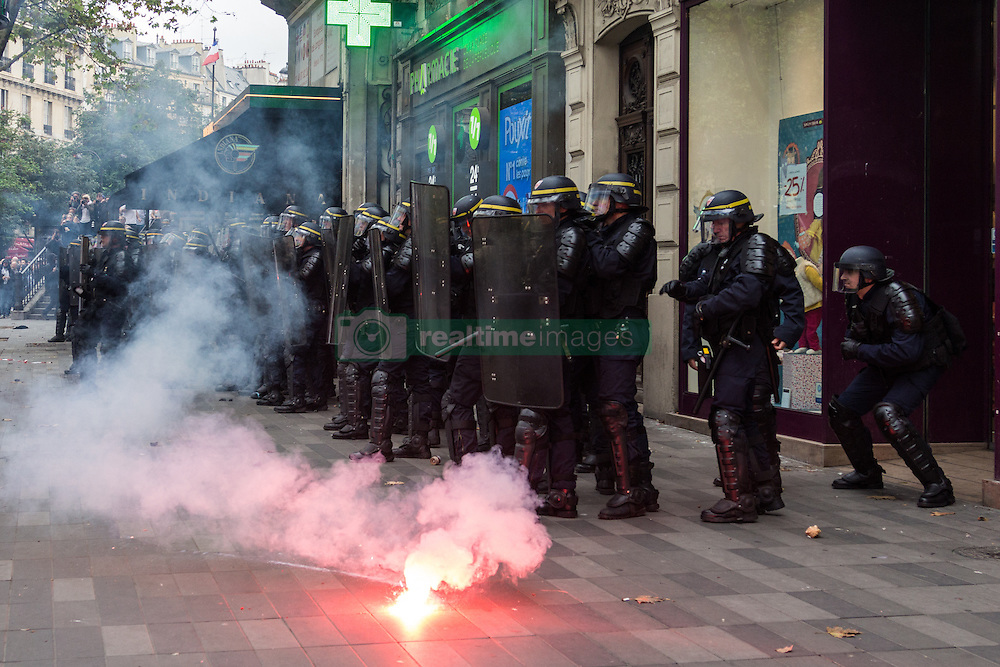September 15, 2016 - Paris, France - Today tens of thousands of people took to the streets of Paris to protest the controversial new labor law in France. The police speaks of 13,500 people attending whilst the unions talk about up to 50.000..The demonstration turned violent on several occasions, when protesters attacked the police with stones and Molotov-cocktails and the police shot teargas and used pepper spray..Several people where arrested. (Credit Image: © Willi Effenberger/Pacific Press via ZUMA Wire)