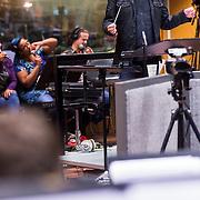 NLD/Hilversum/20130930 - Repetitie Metropole Orkest voor concert, dirigent Maurice Luttikhuizen