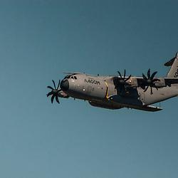 Participation de l'Airbus A400M de Airbus Military à l'anniversaire des 60 ans de la Patrouille de France.<br /> Mai 2013 / Salon de Provence / Bouches du Rhône(13) / FRANCE