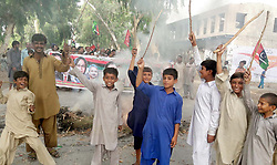 August 15, 2017 - Pakistan - NAUNDERO, PAKISTAN, AUG 15: Residents of Bharchoond village are holding protest .demonstration and blocked Naundero-Sukkur Highway road for acceptance of their demand, in .Naundero on Tuesday, August 15, 2017. (Credit Image: © PPI via ZUMA Wire)