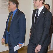 NLD/Amsterdam/20160126 - Microsoft-oprichter Bill Gates houdt een speech in het Stedelijk Museum. Hij is door staatssecretaris Sander Dekker (Onderwijs) uitgenodigd in het kader van het Nederlandse EU-voorzitterschap. De speech gaat over het belang van de toegankelijkheid van onderzoeksresultaten