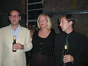 James Murdoch, Elizabeth Murdoch and Mathew Freud. Yoo party. Hall Rd. London NW8. 28 September 2000. © Copyright Photograph by Dafydd Jones 66 Stockwell Park Rd. London SW9 0DA Tel 020 7733 0108 www.dafjones.com