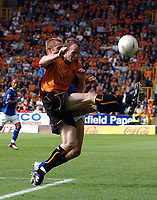 Fotball<br /> Foto: Fotosports/Digitalsport<br /> NORWAY ONLY<br /> <br /> Date: 28/08/2004<br /> <br /> WOLVERHAMPTON WANDERERS v LEICESTER CITY <br /> <br /> COCA COLA CHAMPIONSHIP <br /> <br /> MARK CLYDE WOLVES & JAMES SCOWCROFT LEICESTER